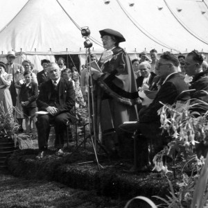 Opening of the Dagenham Town Show in 1952 by the mayor
